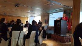 La Diputación de Badajoz presenta proyectos de desarrollo sostenible y medio ambiente en un seminario en Santander