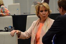Aguirre cree que Cospedal debe revalidar su cargo como secretaria general pero que depende de Rajoy