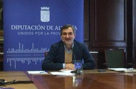 """Ángel Escobar pide a la Junta """"un protocolo de actuación"""" y asegura las plazas en la Residencia Asistida"""