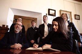 """Arrimadas (Cs) critica las """"performances"""" de Puigdemont ante el juicio por el 9N"""