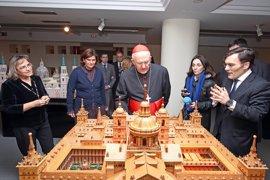 La ONCE y el cardenal Osoro presentan La Biblia para personas ciegas