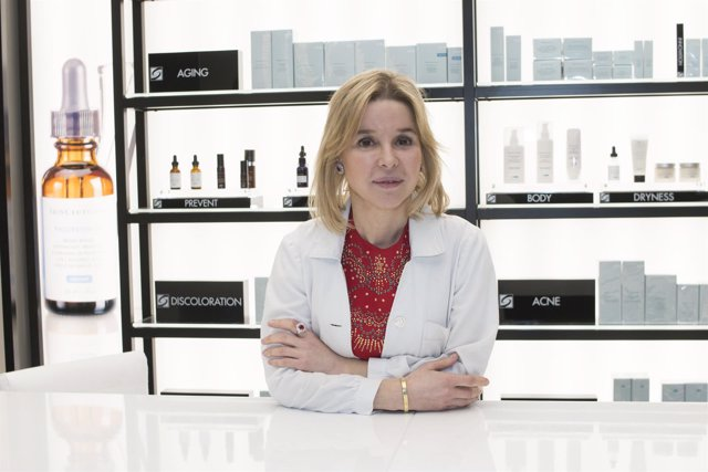 La médico y cirujana Adriana Ribé, líder de SkinCeuticals Advanced Medical Spa