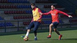 Piqué y Arda Turan son baja para visitar al Deportivo Alavés en Mendizorrotza