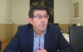 """Rodríguez cree que en el PSOE hay """"desorientación"""" y faltan nuevos lideragos para """"ilusionar"""""""