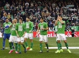Zoido respalda a Zozulya y a los jugadores del Real Betis