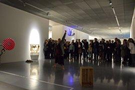 Un centenar de personas disfrutan de la unión de danza y literatura en el Centre Pompidou Málaga