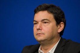 El economista Piketty se suma al equipo de asesores del candidato presidencial socialista francés Hamon