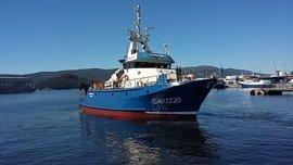 Buscan a un marinero gallego y a dos senegaleses desaparecidos tras el naufragio de un pesquero en Senegal