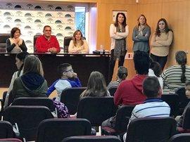 Diputación de Huelva y Fundación 'la Caixa' comienzan en Cartaya el programa 'Aprender juntos, crecer en familia'