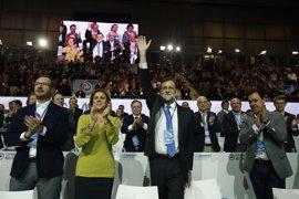 """Rajoy recuerda """"con gratitud"""" a Aznar, """"un orgullo para el PP"""", en el primer Congreso sin el expresidente"""