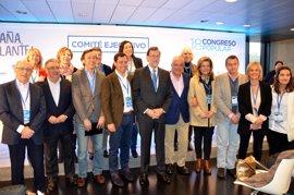 """Moreno destaca la """"unidad"""" del PP frente a Podemos y """"los tres candidatos del PSOE"""""""