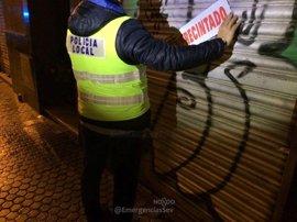 Detenido el propietario de un bar en Sevilla tras agredir a dos policías al cerrar el local por exceso de aforo