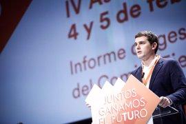 """Rivera felicita a Rajoy e Iglesias por renovar cargos y confía en que """"prevalezca la voluntad de servir a los españoles"""""""