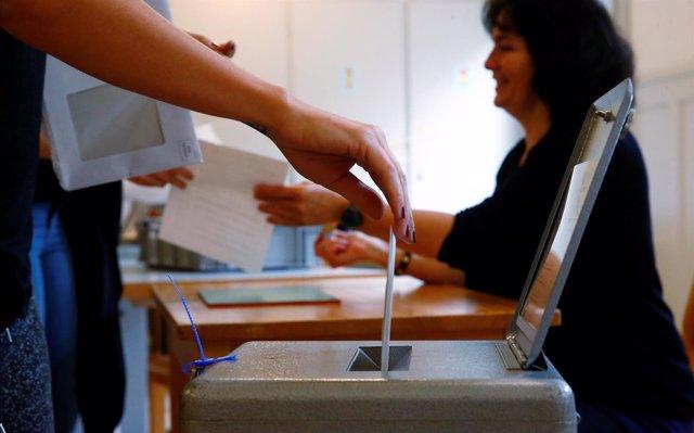 Votación de un referéndum en Suiza