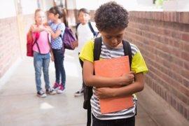 El impacto del acoso escolar puede persistir a largo plazo y provocar baja autoestima, depresión y estrés