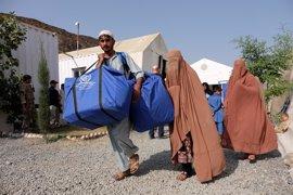 HRW acusa a ACNUR de ser cómplice de la deportación masiva de cerca de 600.000 afganos desde Pakistán
