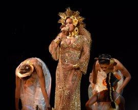 Vídeo de la épica actuación de Beyoncé en los Grammy