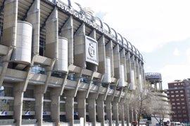 Los empresarios piden a Cifuentes que medie para que la final de la Copa del Rey se celebre en Madrid