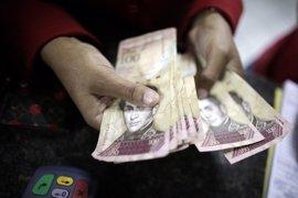 Encuentran 25 toneladas de billetes venezolanos en una vivienda de Paraguay