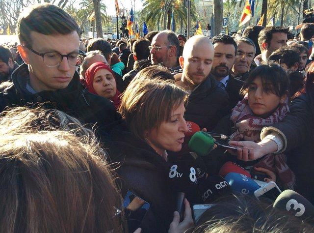 La presidenta del Parlament C.Forcadell en la manifestación por el juicio del 9N