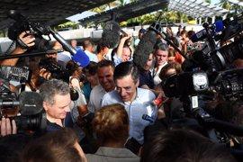 Fillon reitera ante los diputados de su partido que no retirará la candidatura