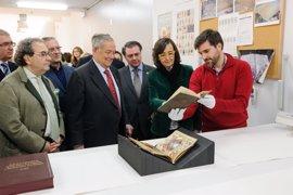 El IAPH restaura dos libros de Reglas de la Hermandad de la Macarena de Sevilla
