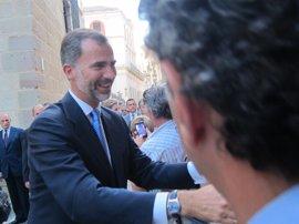 Felipe VI inaugura en Málaga el Foro Transfiere y visita el Museo de la Aduana