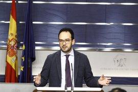 El PSOE pedirá cuentas mañana a Rajoy en el Congreso tras su conversación con Trump
