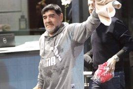 La Policía acude a un hotel madrileño alertada por una supuesta agresión de Maradona a su novia
