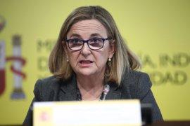 """Economía afirma que seguirá """"muy de cerca"""" la posible compra de Opel por parte de PSA"""