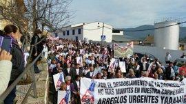"""Unas 3.000 personas cortan la N-430 en Puebla de Don Rodrigo y piden una """"Nacional digna"""""""