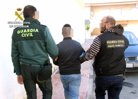 Detenido un individuo por la venta de marihuana y cocaína en zonas de ocio de Murcia y Almería