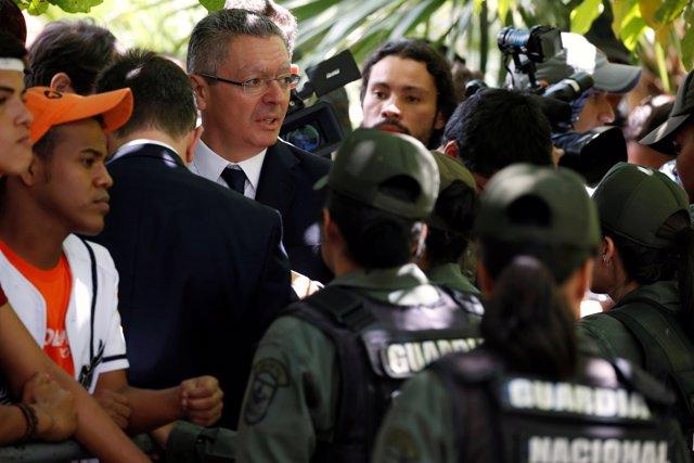 Ruiz-Gallardón en la audiencia de apelación de Leopoldo López