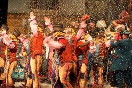 Un sistema de seguridad impide acceder al Falla para el Concurso de Carnaval con entradas compradas en reventa
