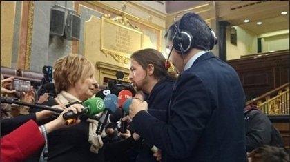 Villalobos impide a Pablo Iglesias preguntar a Linde sobre el Banco de España y Bankia