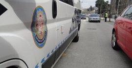 Buscan en Santiago al conductor fugado tras provocar un accidente