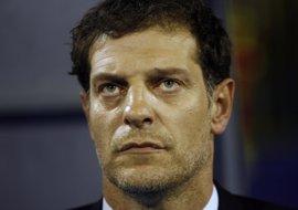 Bilic, técnico del West Ham, multado con 9.500 euros por lanzar un micrófono