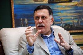 Serraj niega que se reuniera con Haftar y le acusa del estancamiento de las conversaciones en Libia