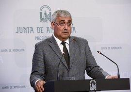 """Andalucía """"tranquiliza"""" sobre la PAU pese al """"retraso"""" en conocer los contenidos"""