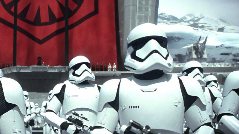 Star Wars: The Last Jedi: Primera imagen de los Stormtroopers con sus nuevos cascos