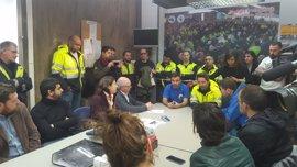 JxSí, Cs, PSC, SíQueEsPot y la CUP animan a luchar a los estibadores del Puerto de Barcelona