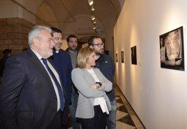 La Diputación de Cádiz acoge la exposición de Canal Sur 'El Carnaval en la piel'