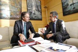 De la Serna y Revilla abordan este viernes el corredor ferroviario Santander-Palencia