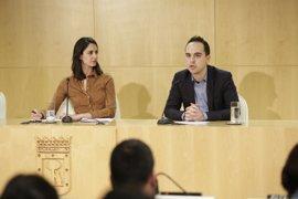 """El Ayuntamiento ha """"puesto orden"""" en la plantilla municipal y ha reducido puestos de libre designación, según Maestre"""