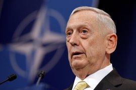 """Mattis pide """"acelerar"""" la campaña contra Estado Islámico sin despejar si EEUU desplegará soldados en Siria"""
