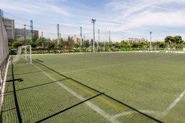 Madrid da 'in extremis' el visto bueno urbanístico a las pistas de fútbol y pádel del Canal y los niños podrán quedarse