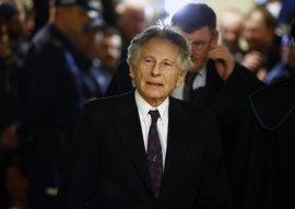 Polanski pone en marcha otro intento de resolver el caso de violación
