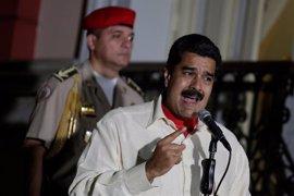 """Maduro: """"Se le reventarán los dientes a Mariano Rajoy y a la derecha internacional si se mete con Venezuela"""""""