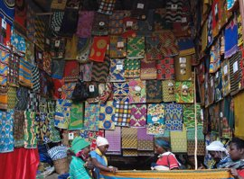 Ibercaja Actur acerca Ruanda a los zaragozanos con una muestra de fotografías de la ONG medicusmundi NAM