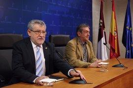 Felpeto elevará al Consejo de Gobierno el rechazo de los sindicatos a convocar oposiciones en 2017